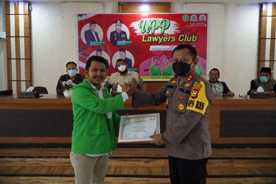 Kapolres AKBP Taufiq Lukman Nurhidayat Jadi Narasumber Di Giat UPP Lawyers Club