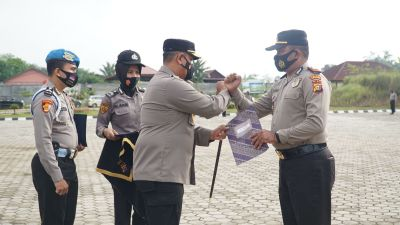 Ungkap Kasus TP Narkotika 11 Petugas Pos Cek Poin PPKM Level 4 Dapatkan Reward Dari Kapolres