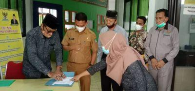 BAZNAS Rohul Serahkan Bantuan 42 juta Pembangunan RSLH Milik Ucok