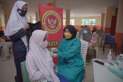 Genjot Vaksinasi Dosis Dua Bagi Pelajar, BIN Riau Lakukan Sistem Door To Door