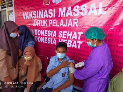 Mendukung Program Pemerintah, SMK N 1 Rambah Galakkan Vaksinasi Bagi Seluruh Pelajarnya